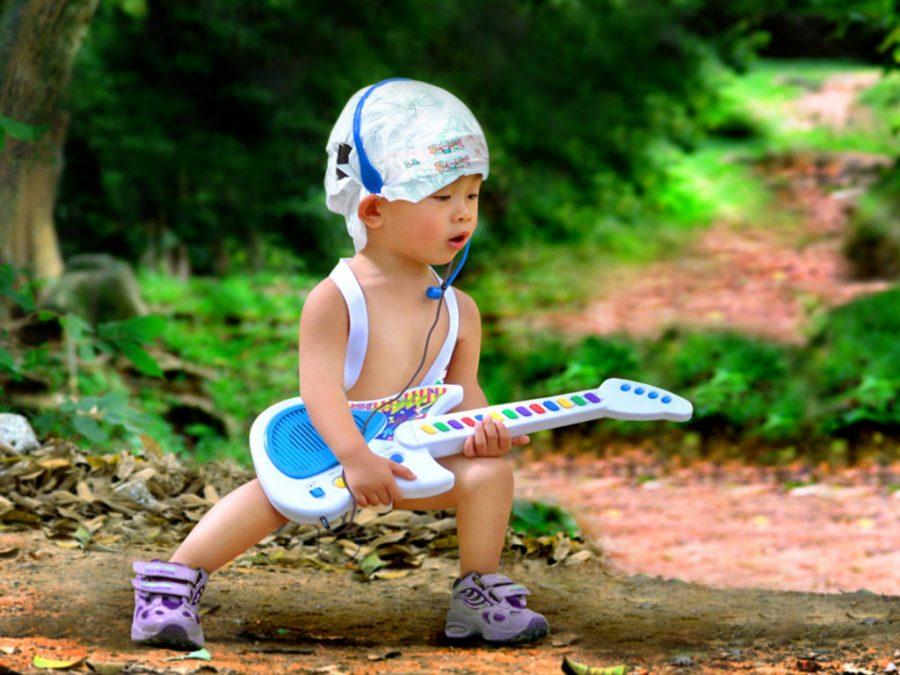 Nomi unici, particolari e moderni per un bambino maschio - bambino rockstar