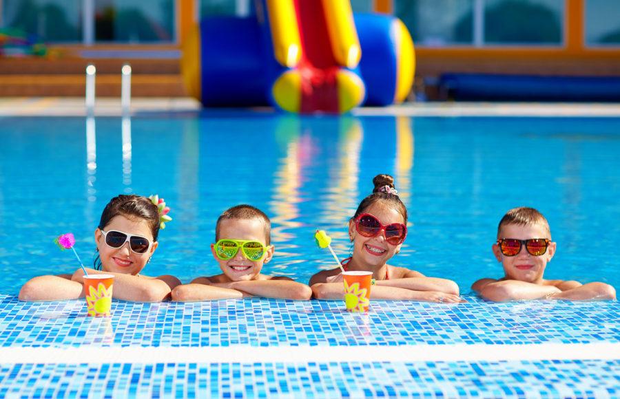 Come organizzare una festa di compleanno per bambini di 11 anni - festa piscina 1