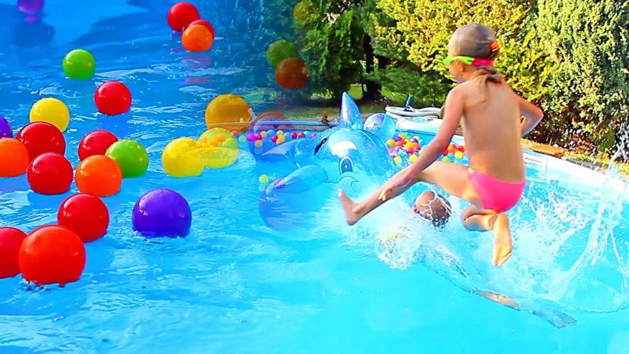Vacanze al mare con bambini - bambini piscina