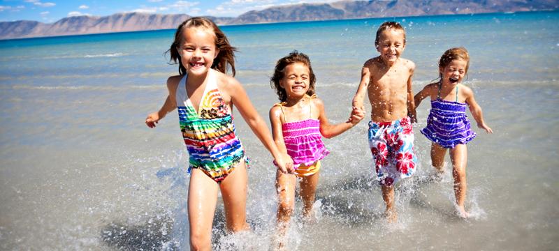 Vacanze al mare con bambini - bambini spiaggia 2